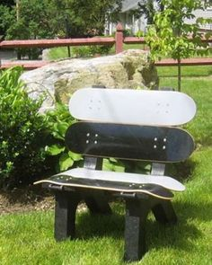 DIY una silla reciclada de patinetas - http://ini.es/1fskWYo