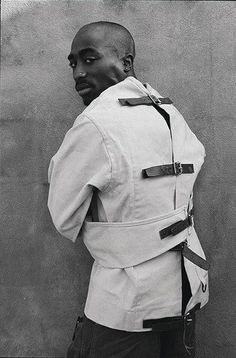2pac or Tupac however you want to say it, still one of the greatest artists ever