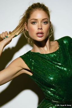 A shiny emerald sequin dress will make any girl stand out from the crowd! #ISOBeauty