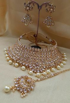 AMANI Crystal Collection: Bridal Jewellery sets - New Ideas Antique Jewellery Designs, Fancy Jewellery, Stylish Jewelry, Diamond Jewellery, Indian Bridal Jewelry Sets, Wedding Jewelry Sets, Pakistani Bridal Jewelry, Bridal Bridal Jewellery, Bridal Jewellery Collections