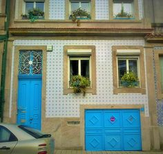 Blue in Oporto