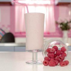 Raspberry Cheesecake Protein Smoothie | Smoothie Recipe | Blended Recipes
