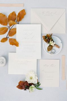 Crisp, clean and bursting with pretty! 🍁✨ This stunning flatlay confirms our obsession for autumn love stories and coinciding stationery. 😍   Photography: @seanthomasphoto #stylemepretty #weddinginvitations #neutralwedding #fallwedding