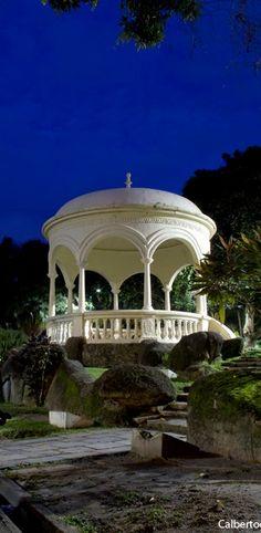 Coreto em Belém do Pará, Brasil Zen Space, Brazilian People, Portugal, City Lights, Small Towns, Places To See, Gazebo, Exterior, Mansions