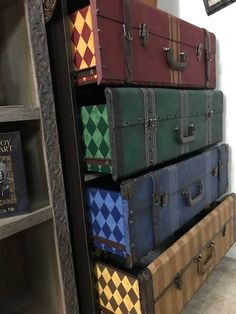 Weekend(s) Project! We made a dresser to look like Hogwarts luggage. Weekend(s) Project! We made a dresser to look like Hogwarts luggage.,Harry Potter ⚡ Weekend(s) Project! We made a dresser to look like Hogwarts.