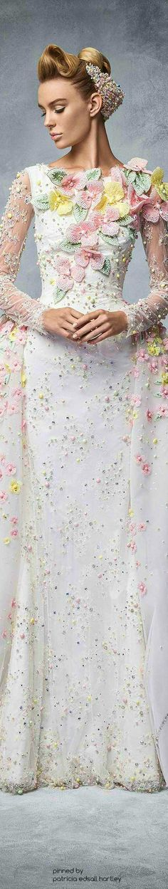 Read More About Sparkling Couture' from South East Asia -Georges Hobeika jαɢlαdy. Beautiful Gowns, Beautiful Outfits, Gorgeous Hair, Evening Dresses, Prom Dresses, Wedding Dresses, Couture Fashion, Runway Fashion, Fashion Details