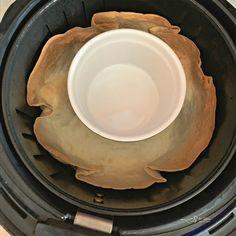 Air Fryer Taco Salad Bowls - Edible tortilla bowls in minutes! Air Fryer Taco Salad Bowls - Edible tortilla bowls in minutes! Air Fryer Recipes Appetizers, Air Fryer Oven Recipes, Air Frier Recipes, Air Fryer Dinner Recipes, Taco Salad Bowls, Tortilla Bowls, Taco Salad Shells, Taco Salads, Pasta Salad