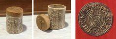 Caja en asta de ciervo, talla reproducción de moneda vikinga, tapa en madera de enebro con runa Algiz. 45€ #viking #runa