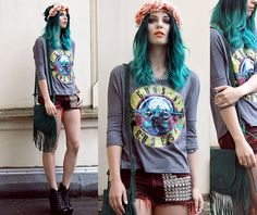teal blue green hair #romwe guns n roses band tee top rock grunge style fashion blogger fringed bag studded shorts summer flower hairband