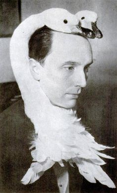 Sculptor Sforzino Sforza wears a two-headed swan to party, 1949