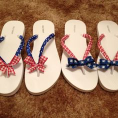 ~ SUMMER FUN ~ June marks the first official day of summer . and it& time to slip on those summer flip flops ! Ribbon Flip Flops, Bling Flip Flops, Cute Flip Flops, Flip Flop Shoes, Shoe Crafts, Clothes Crafts, Crafty Projects, Crochet Projects, Flip Flop Craft