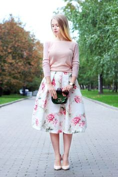 17 Ideas on how to wear a MIDI skirt according to your style - Methods for Flirting Modest Dresses, Modest Outfits, Classy Outfits, Skirt Outfits, Dress Skirt, Midi Skirt, Summer Outfits, Muslim Fashion, Modest Fashion