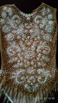 Absolutely Stunning Skaiting Dress,Rhythmic Leotard or Twirling Costume! Thick lycra a stunning design of crystal ss10 ss16 ss20 (MORE THAN 4000 CRYSTALS) and 400(!!!)+ sewing on rhinestones. Hand-painted in black glitter! Exellent Quality & Fit! Size: Height 128-136