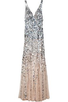 Giselle dégradé sequined gown by Rachel Gilbert. I'm always hypnotized by beaded/sequined chiffon-- it swings and sways so beautifully. Rachel Gilbert, Cute Fashion, Look Fashion, Womens Fashion, Look Formal, Boutique Fashion, Glamour, Carolina Herrera, Mode Style