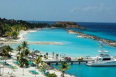 Curacao Island! White sand and Blue water paradise!