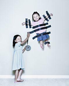 Un photographe exploite ses filles pour des mises en scène… Extraordinaires !