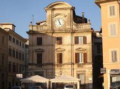 """[Extra moenia]. Spoleto.  In una delle piazze più affascinanti e ricche di storia proponiamo in vendita il caratteristico """"Palazzetto con l'orologio"""" http://www.coldwellbanker.it/gruppofutura/vendita/spoleto/dettaglio-immobile-agente-dettagli_piazza_della_libertagrave_CBI038-10-9395.html"""