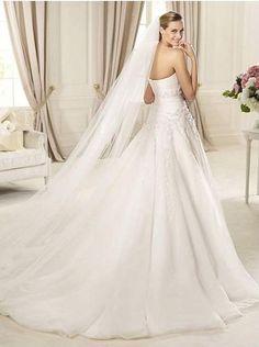 Strapless Flower Gorgeous Wedding Dress with Long Veil
