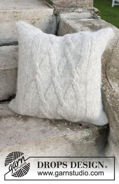 Diamond Bliss Pillow case with cables in DROPS Air. Free #knitting pattern #alpacaparty