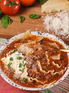 Lasagna Soup - A Southern Soul Lasagna Soup, No Noodle Lasagna, Lasagna Noodles, Easy Dinner Recipes, Great Recipes, Easy Meals, Classic Italian Dishes, Homemade Lasagna