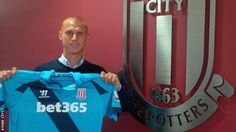 Steve Sidwell signs for the Potters from Fulham.