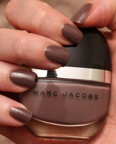 Marc Jacobs Delphine swatch