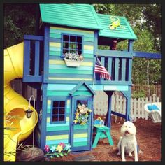 Grandma made the kids playhouse look awesome! Grandma made the kids playhouse look awesome! Kids Outdoor Play, Kids Play Area, Backyard For Kids, Backyard Projects, Outdoor Fun, Play Areas, Pallet Playhouse, Build A Playhouse, Playhouse Outdoor