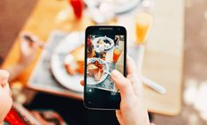 Top Features and Benefits of On Demand Food Delivery App Development. An effective food delivering app development services at XongoLab. Brunch Berlin, Iphone Photography, Food Photography, Photography Composition, Photography Editing, Smartphone, Restaurant Marketing, Cooking Restaurant, Delivery App