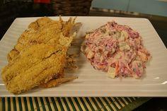 Aprenda a fazer a receita de Sardinha Empanada com Salada Russa