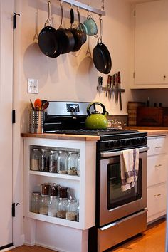 50+ Best Storage Ideas and Projects for Small Spaces in 2021 Kitchen Stove, Kitchen Redo, Kitchen Shelves, New Kitchen, Kitchen Dining, Kitchen Remodel, Kitchen Cabinets, Compact Kitchen, Kitchen Small