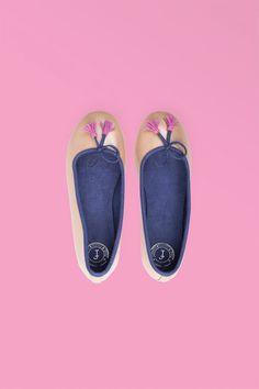 Beige Pearl Leather w Blue Top  #handcrafted #handmade #giftideas # handcraftedgifts #artistmarket #creativefinds #onlinegiftstore #uniquegifts #handmademovement #supportsmallbusiness #madewithlove #giftsforher #shoes #balletflats