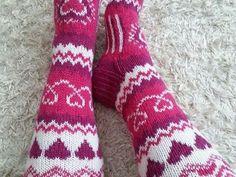 Luukku.com Crochet Socks, Knit Or Crochet, Knitted Hats, Knitting Stitches, Knitting Socks, Knitting Patterns, Woolen Socks, Sock Crafts, Knit Stockings