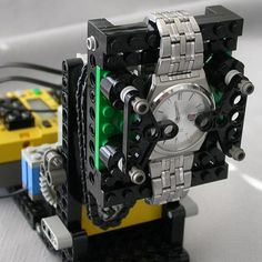 A watch winder made from a LEGO Mindstorms (RCX 1.0) kit! Perfect for self-winding automatic wristwatches. Awesome!