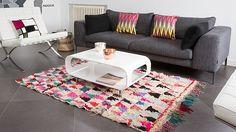 Dans l'habitat moderne, les tapis sont utilisés pour donner une ambiance et du cachet à une pièce. Style cosy, cocooning, chaleureux, rétro, pop da...