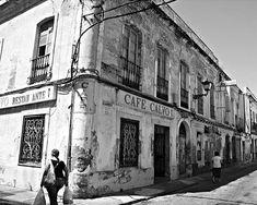 """El antiguo y desaparecido """"Restaurante Calvo"""". Estaba junto al Mercado de El Carmen."""