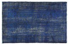 109 x 71 pouces  couleur bleu foncé tapis  tapis par VintageCarpets, $599.00