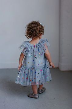 Girl's Gray Tulle Confetti Polka Dot Party Dress – cuteheads Valentines day outfit inspo for girls! Vday dress for girls that are fun and festive. Show up to your Valentine's Day party in style! SHOP ALL STYLES NOW>>> Girls Fall Fashion, Baby Girl Fashion, Family Photo Outfits, Cute Girl Outfits, Girls Party Dress, Girls Dresses, Dress Girl, Fall Formal Dresses, Autumn Dresses