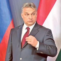 """Орбан поручио ладолежу Вучићу: """"Зауставимо мигранте, морамо заједно да штитимо своје границе!""""  Он је истакао да нико више не може, захваљујући надзору у којем учествује 8.000 војника и полицајаца, илегално да уђе у Мађарску.Мађарски премијер Виктор Орбан рекао је �"""