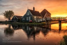 Light morning drizzle Zaanse Schans by urbanexpl0rer #architecture #building #architexture #city #buildings #skyscraper #urban #design #minimal #cities #town #street #art #arts #architecturelovers #abstract #photooftheday #amazing #picoftheday