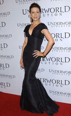 Long Hairstyles Lookbook: Kate Beckinsale wearing Ponytail (21 of 38). Kate Beckinsale pumped up the volume at the 'Underworld: Evolution' premiere with a voluminous ponytail.