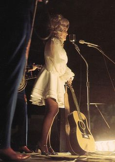 Dearly devoted to Dolly Parton, a brief essay