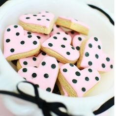 Adorable Sweet & Chic Valentine's Day Bow party on the blog today from our friends @sweetthreadsco ! #sweettreats #sweets #sugar #sugarart #cookies #cookieart #instayum #instacookies #adorable #decoratedcookies #icing #sprinkles #foodie #photooftheday #cute  #edibleart #katespade #cookiesforbreakfast #baking #dessert #candy #sugar #sugarart #sugarcraft #valentine #valentinesday #happyvalentinesday #pink #sweet  #conversationhearts #love #black