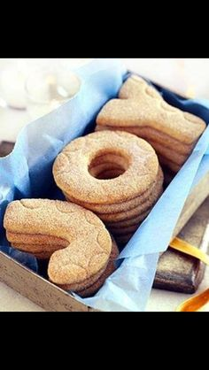 Christmas gift idea- homemade sugar cookies JOY presented in a gift box. What a thoughtful and cute idea!