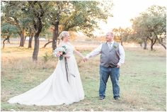 a-slate-blue-and-grey-winter-wedding-at-cw-hill-country-ranch-in-boerne-texas-by-allison-jeffers-wedding-photography_0095
