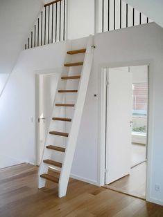 Tiny House Stairs, Tiny House Cabin, Tiny House Design, Loft Design, Design Design, Attic Renovation, Attic Remodel, Attic Rooms, Attic Spaces