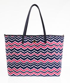 Whale Tail Chevron Large Tote - Vineyard Vines