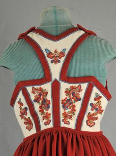 DigitaltMuseum, Vest Telemark 1927 Spanish Costume, Mexican Costume, Folk Costume, Costumes, Scandinavian Embroidery, Brother Embroidery Machine, Folk Fashion, Color Shapes, Traditional Dresses