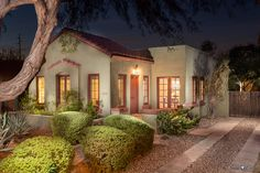 Beautiful homes in Arizona photographed by Sean Colon. Gold Canyon Mesa Gilbert Chandler Apache Junction San Tan Valley Queen Creek Phoenix Scottsdale Tempe FQ Story