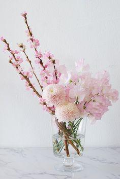 beautiful flowers as names Green Flowers, Spring Flowers, Beautiful Flowers, Draw Flowers, Flowers Nature, Colorful Flowers, White Flowers, Flower Arrangements Simple, Vase Arrangements