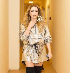 Turkish Actors, Actors & Actresses, Dresses With Sleeves, Shirt Dress, Celebrities, Long Sleeve, Shirts, Asd, Anastasia